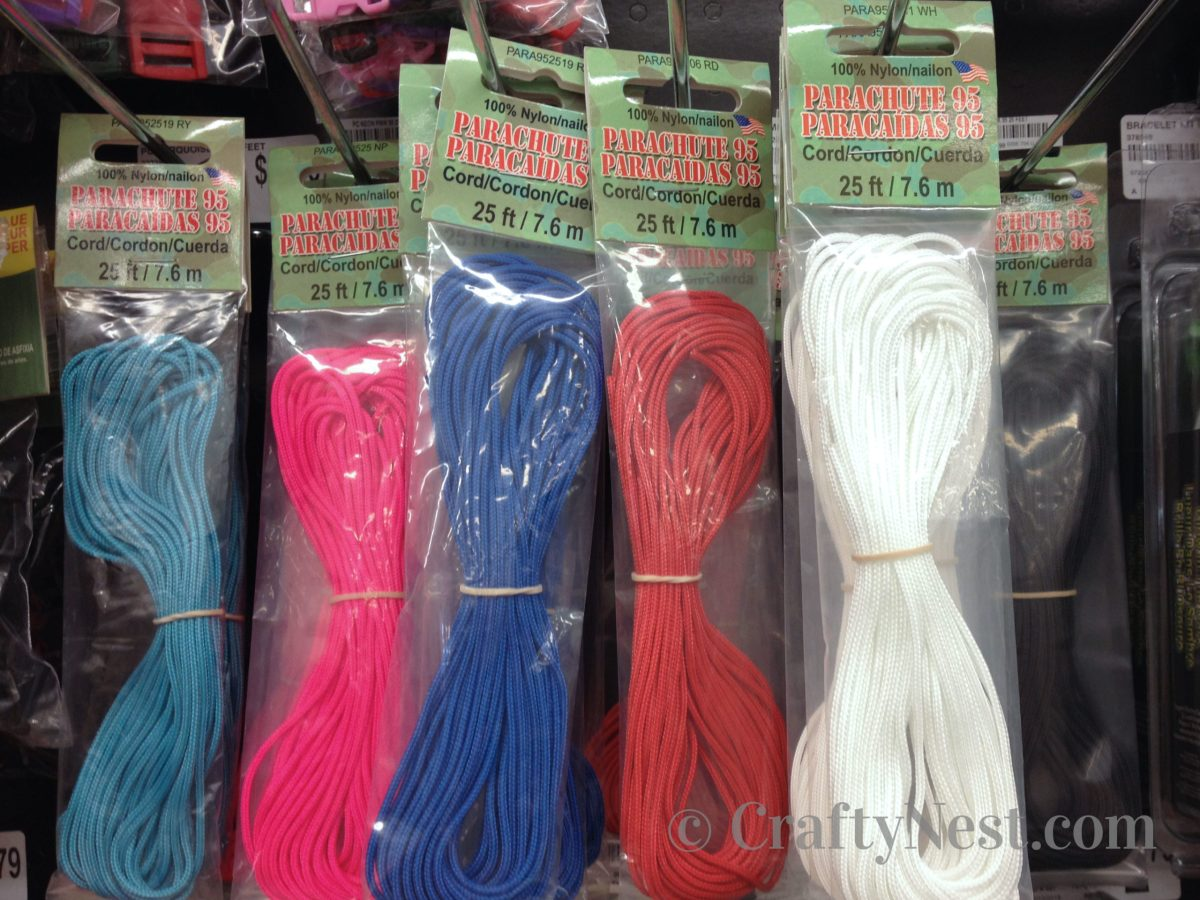 Many colors of paracord, photo