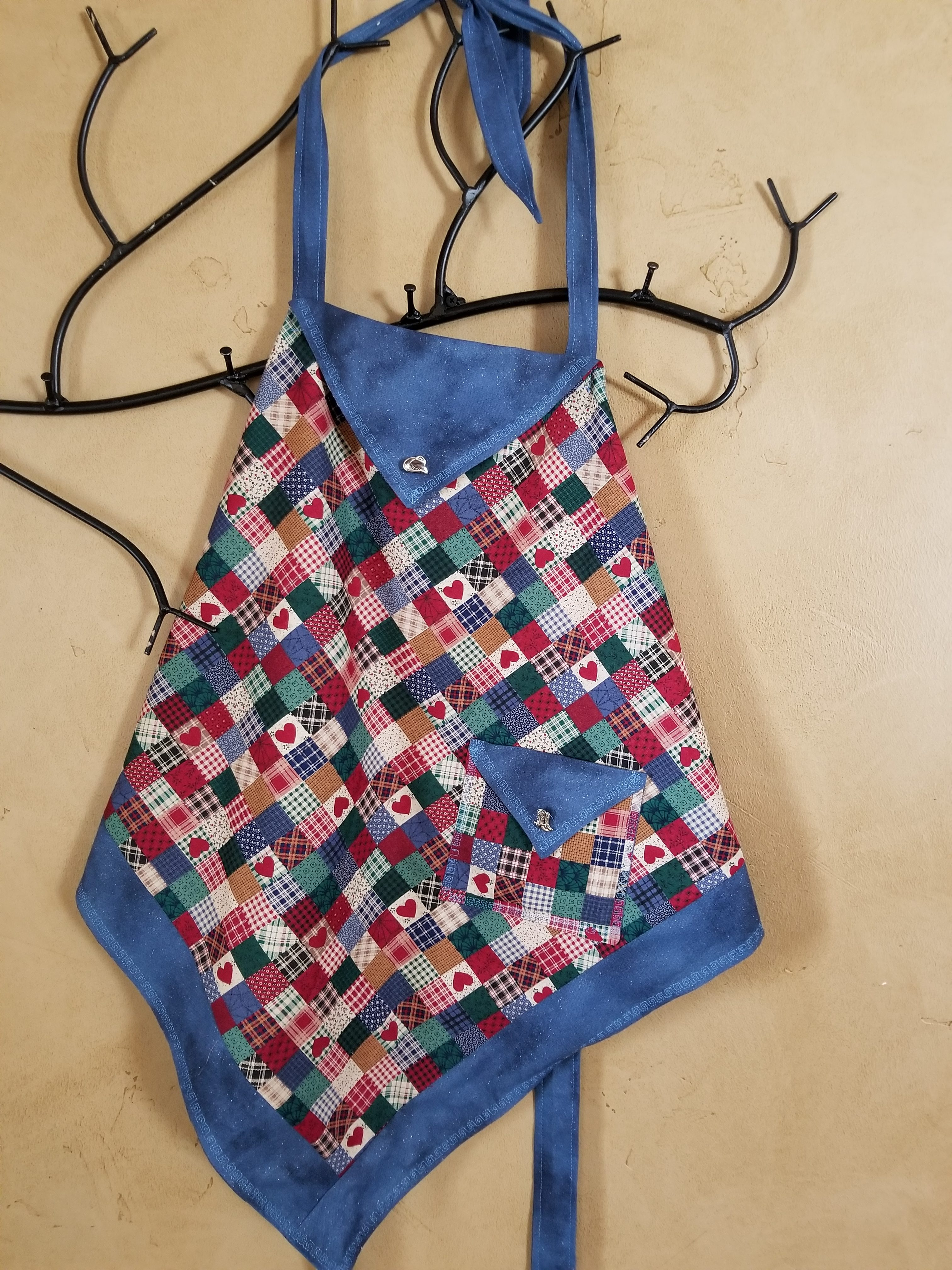Triangle - Square Apron - Country Apron and Free Pattern