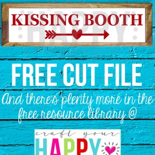 Free Valentine SVG Cut File: Kissing Booth