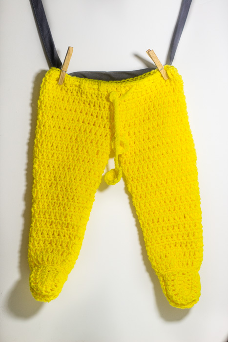 baby pants with booties - baby crochet pattern
