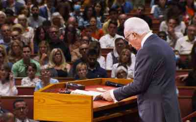 """Pastor John MacArthur: Religious Freedom, the Supreme Court…and his """"Illegal"""" Church Services – What's Next?"""