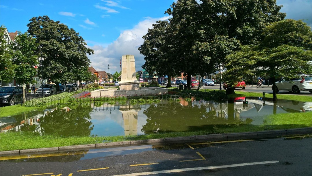 Cranleigh War Memorial 25-06-16