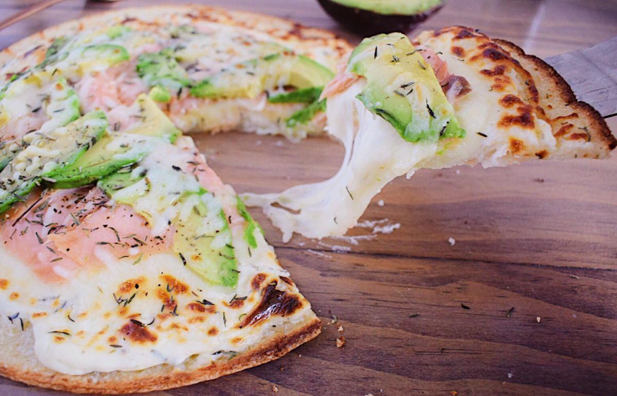 Smoked Salmon and Cream Cheese Pizza