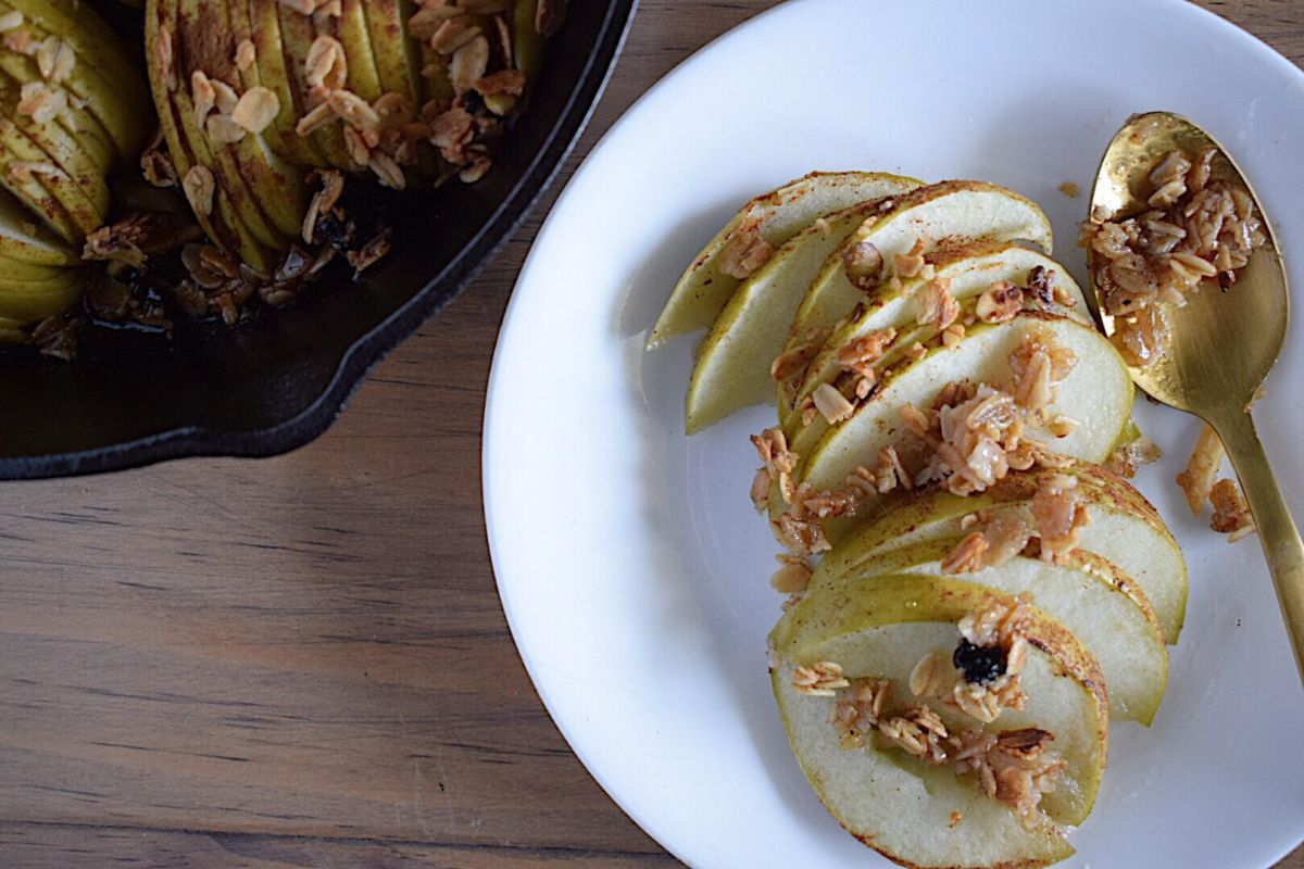 Baked Apples Topped with Granola and Honey