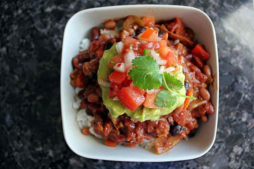 042715 easy 3 bean chili vegan meatless monday