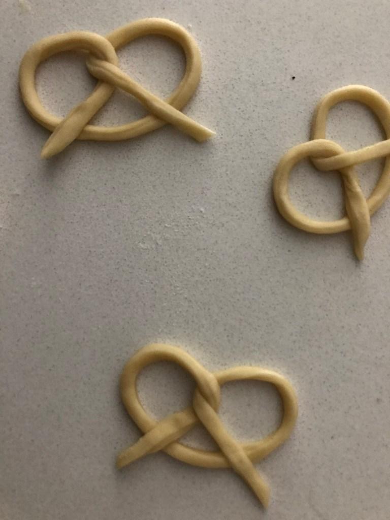 sourdough discard pretzel crisps