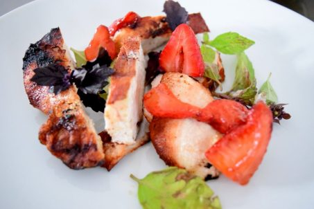Cinnamon Paprika Crusted Chicken and Balsamic Roasted Strawberries-018