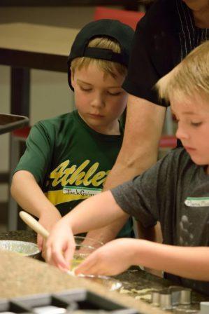Kid's Pie Making Class 9.19.15-046