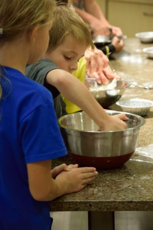 Kid's Pie Making Class 9.19.15-115
