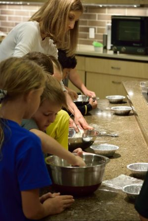 Kid's Pie Making Class 9.19.15-116