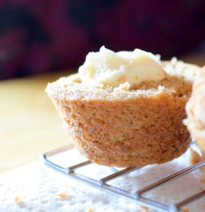 Honeybee Cupcakes and Bread Pudding-021