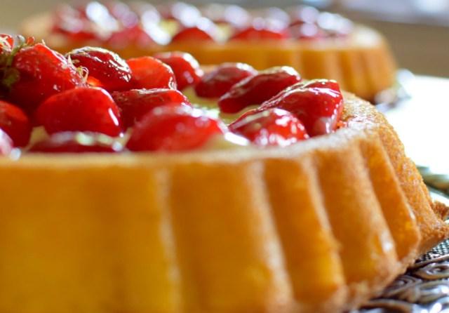 Lemon Custard Strawberry Tiara Cake-031