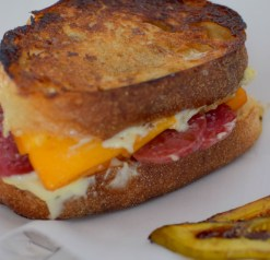 smoked-cheddar-salami-grilled-cheese-011