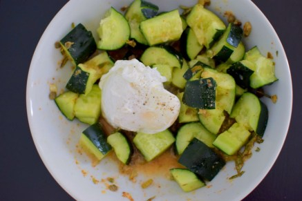 spicy-smashed-cucumber-pickle-salad-006