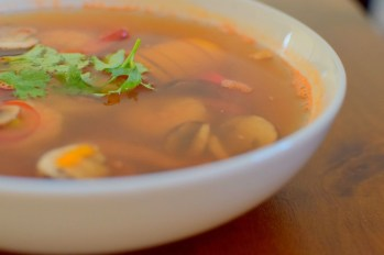 spicy-thai-lemongrass-shrimp-soup-007