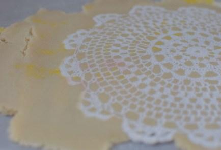 lemon-lace-snowflake-cookies