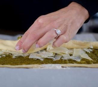 parmesan-pesto-pinwheel-pastry-wreath-012
