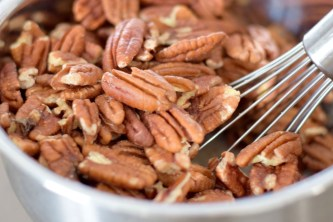 Hickory Smoked Candied Pecans-004