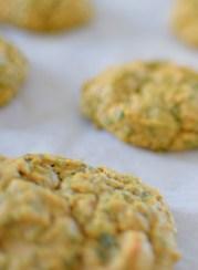 Spinach Garbanzo Peanut Puffs-006