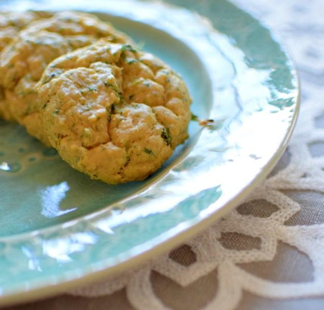 Spinach Garbanzo Peanut Puffs-008