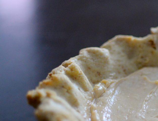 Salted Caramel Pear Cream Pie-005