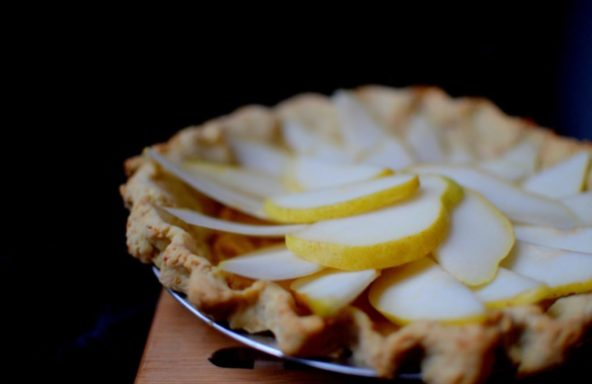 Salted Caramel Pear Cream Pie-010