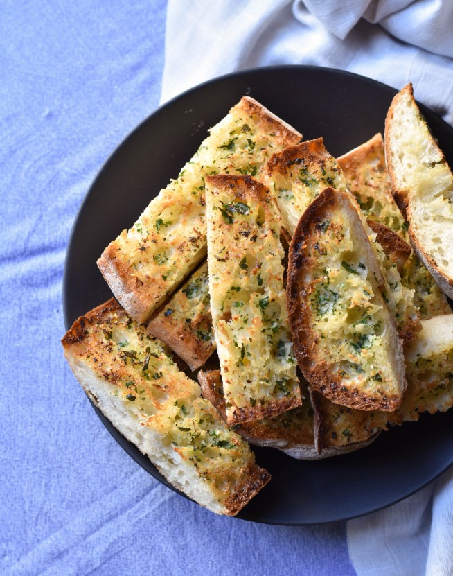 The Best Garlic Bread | Cravings & Crumbs