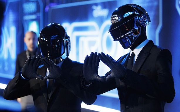 Daft Punk Performs at Coachella 2013 (well kind of…)