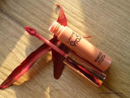 Lakme 9to5 Mousse Lip & Cheek Color Plum Feather