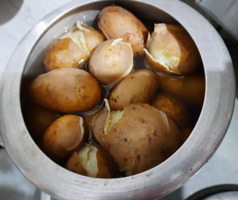 boil aloo