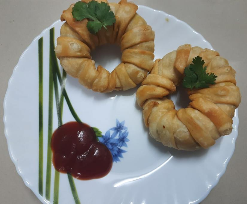 serving plate ring samosa