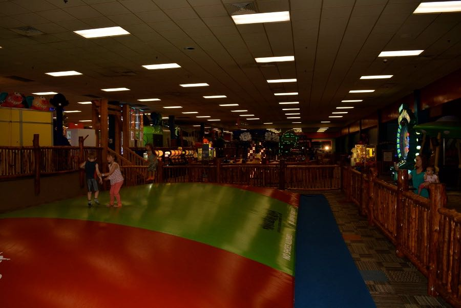 Things To Do In Wisconsin Dells With Kids: Knucklheads