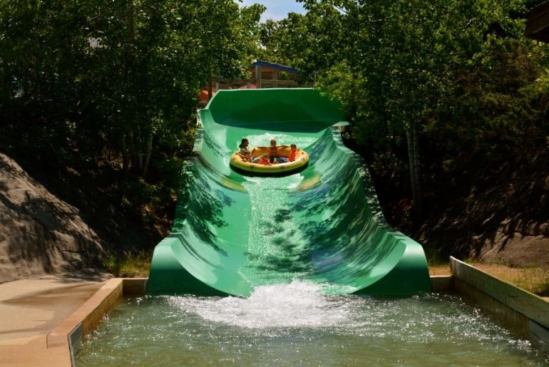 Things To Do In Wisconsin Dells With Kids: Noah's Ark Waterslides