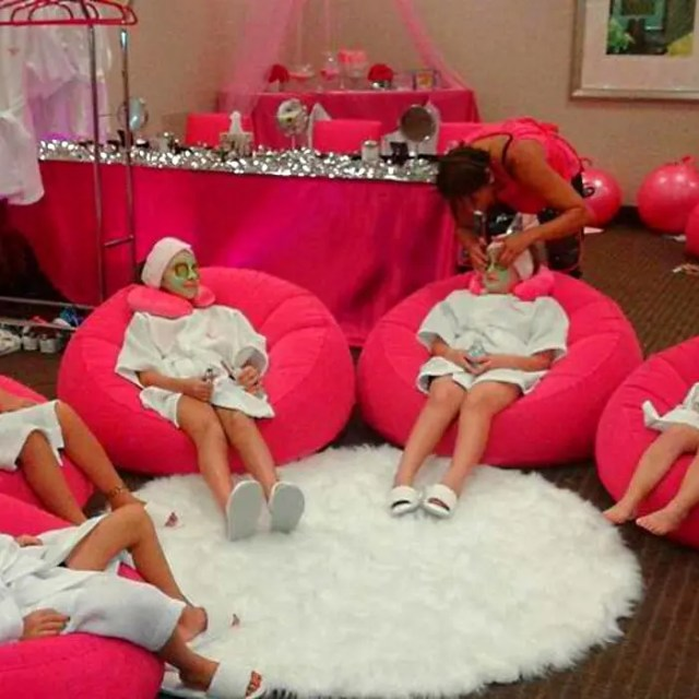 GLAMOUR SPA PARTY