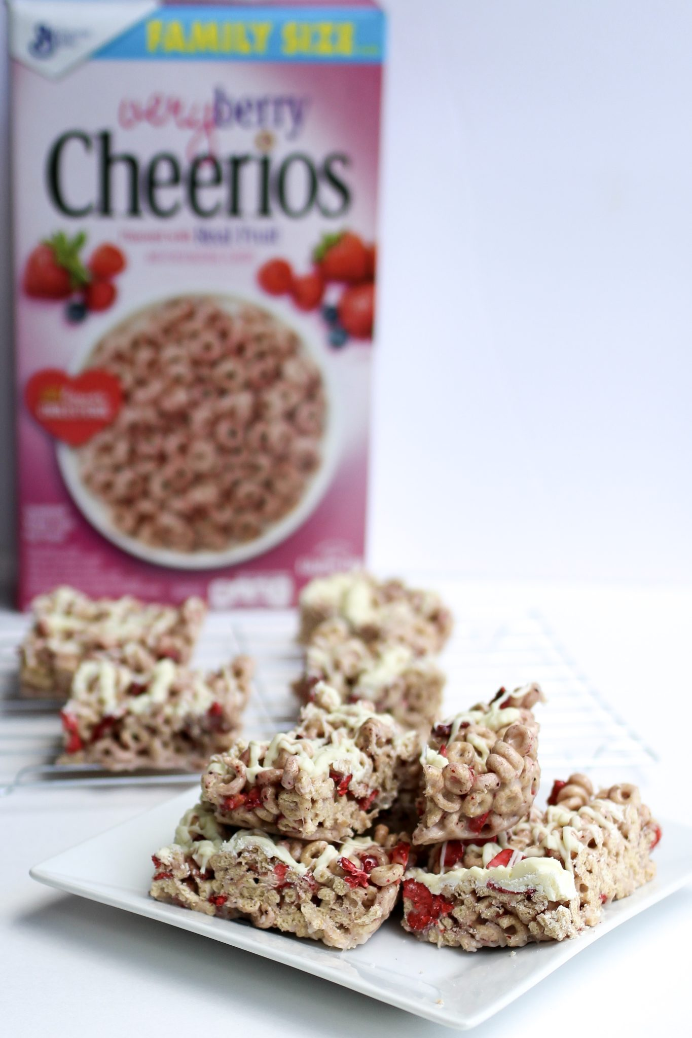 quick and easy breakfast ideas for back to school, Cheerios, homemade peanut butter granola, yogurt parfaits with Cheerios, homemade strawberry cereal bars, kid friendly sushi with banana peanut butter and Cheerios