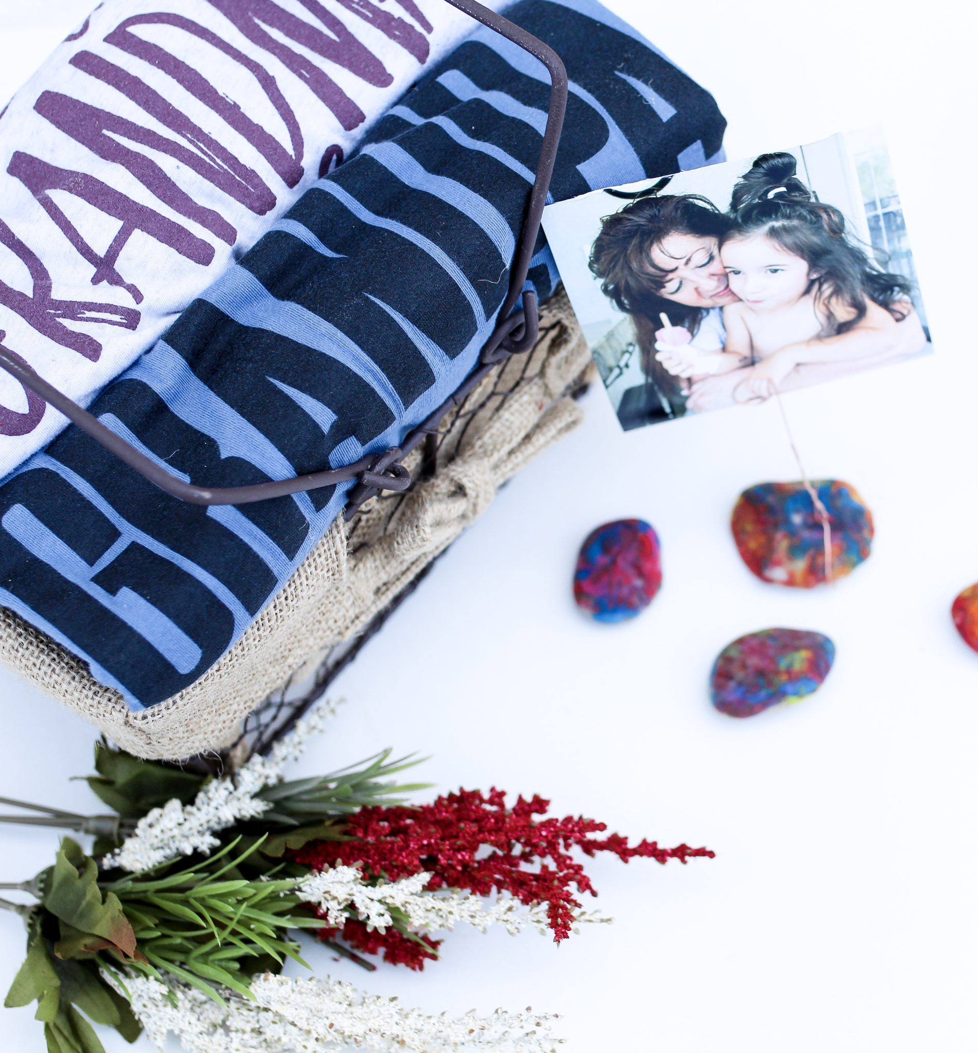 DIY Painted Rock Photo Holder for Grandparents Day