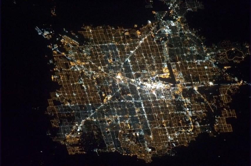 Las Vegas widziane z kosmosu. Fot. Chris Hadfield