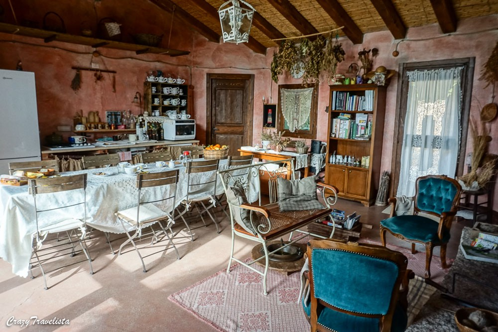 L'essenza Sardinia breakfast room
