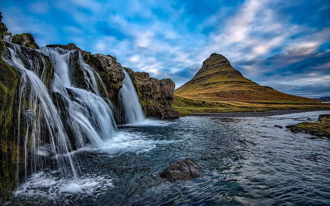 Most Photogenic Landscapes of Iceland: An Action-Packed 7 Day Road Trip with Crazy Travelista