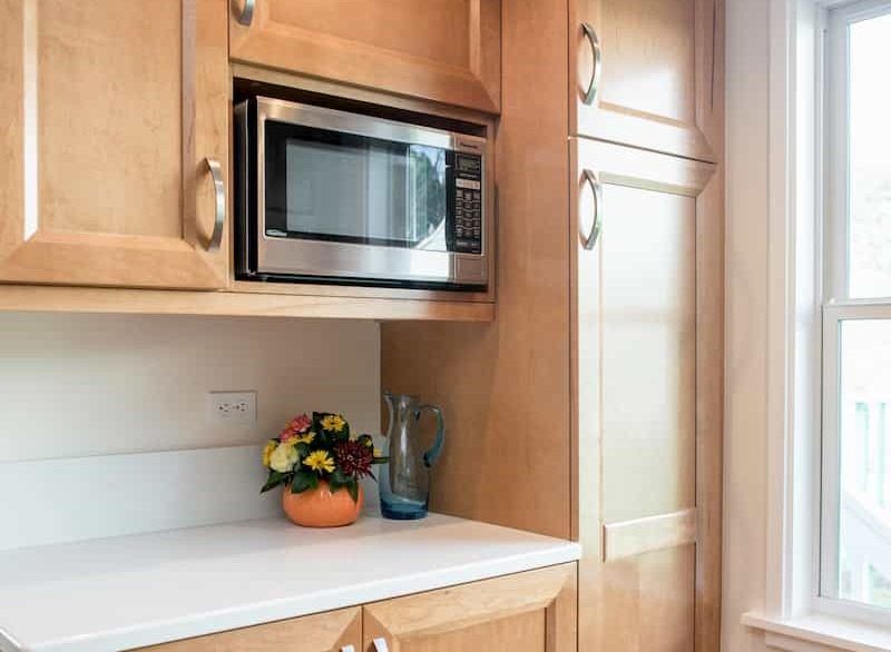 microwave placement in the kitchen