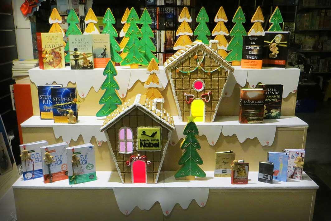 Dulce navidad con la nobel escaparate de navidad for Decoracion librerias