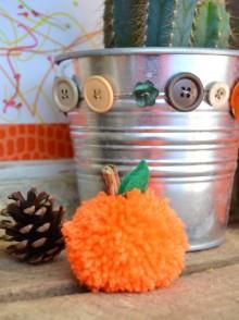 DIY-citrouille-pompon-laine