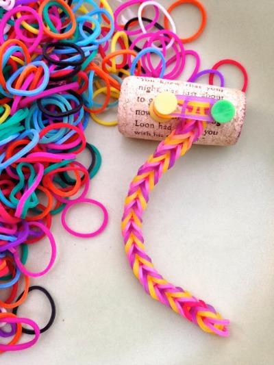 Little-Loom-Tutorial-from-mayamade.blogspot.com_.jpg