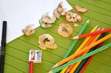 DIY-Carte-Sapin-Noel-epluchures-crayons-couleur-Creamalice