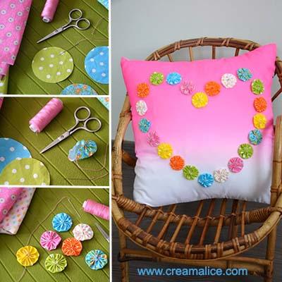 diy-customisation-coussin-coeur-yoyos-tissu-Creamalice