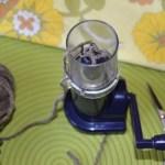 diy-coussin-deco-mot-tricotin-Creamalice