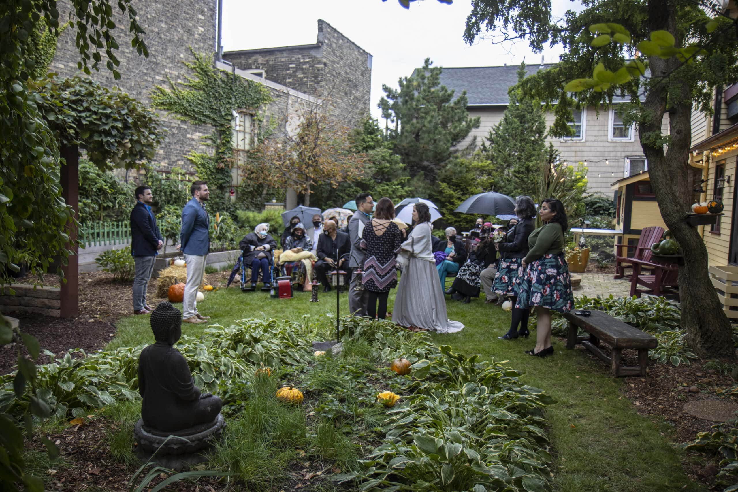 Outdoor Garden Wedding Photographers Milwaukee