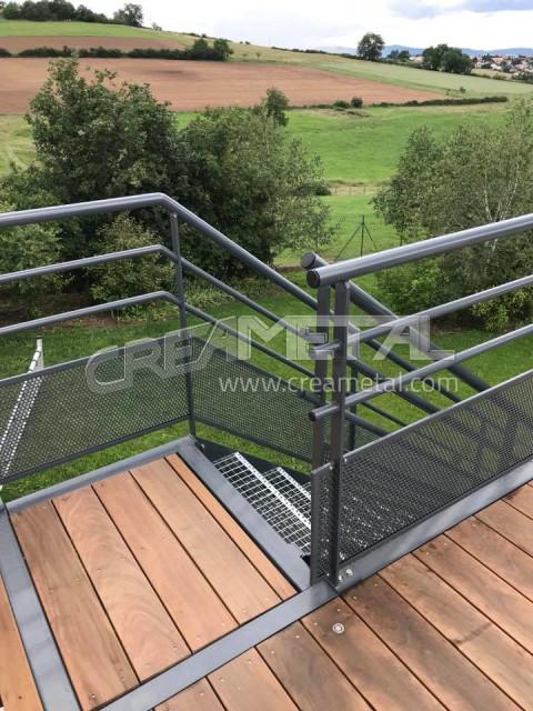 Etude Et Fabrication Creation D Une Terrasse Exterieure En Acier Proche De Lyon 69 Creametal
