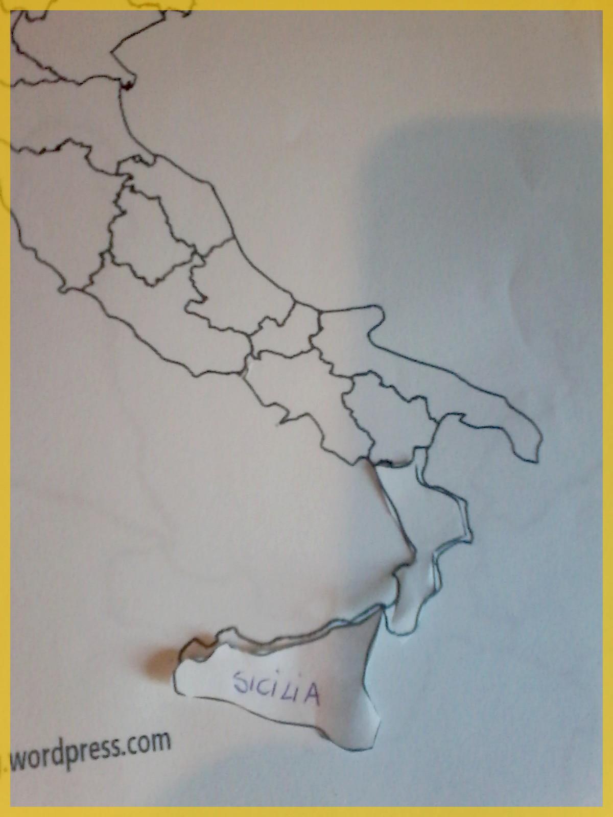Cartina Italia Regioni Da Stampare Per Bambini.L Italia In Un Puzzle Per Imparare Regioni E Posizioni Per Quaderno Crearegiocando