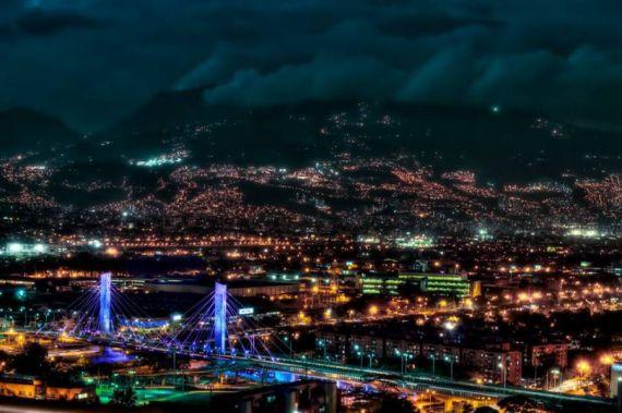 1 La ciudad de Medellín, vista nocturna